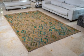 שטיח קילים צבעוני בעבודת יד (1068)