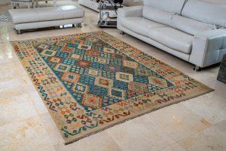 שטיח קילים צבעוני בעבודת יד (1072)