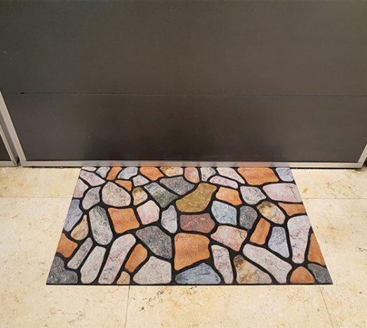 שטיח סף גומי מודפס אבנים צבעוני