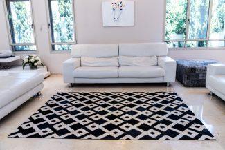 שטיח עור פרה בעבודת יד 17P - 23067 -ריבועים שחור לבן