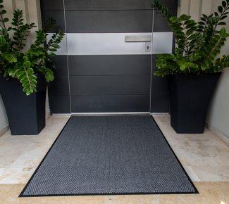 מחצלת שטיח לכניסה לבניין - אפור